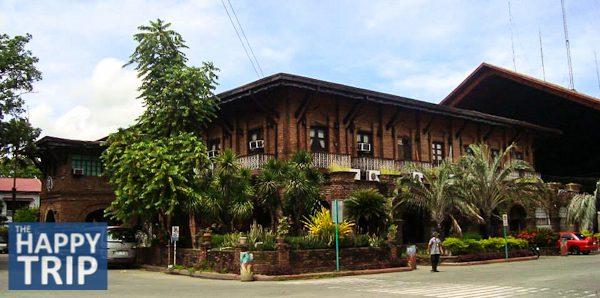 Ilocos Quick Tour, Part 3: Aurora Park, Tobacco Monopoly Monument, City Hall in Laoag