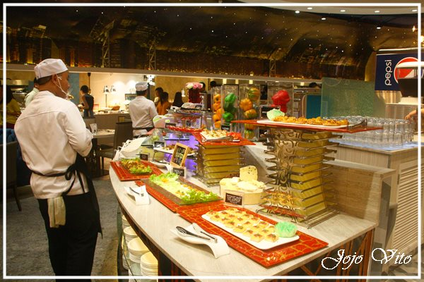 FEAST AT VIKINGS BUFFET RESTAURANT, SM CITY BACOLOD
